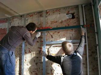 Как ставить гипсокартон на стены?