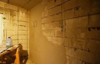 Как штукатурить стены из газобетона внутри помещения?