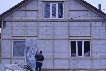 Как утеплить дом из газосиликата снаружи?