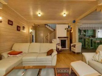 Чем покрасить деревянный дом изнутри?